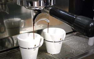 tasses-cafe-machine